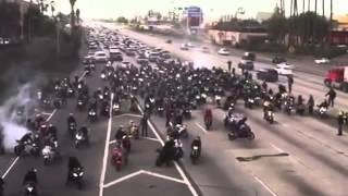 Biker proposes a girl while blocking a highway