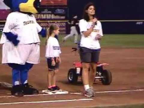 Trenton Thunder Mascot Boomer race around the Bases 8/3/11