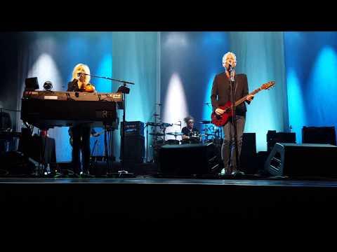 Lindsey Buckignham Christine McVie In My World Live Minneapolis 10/30/17