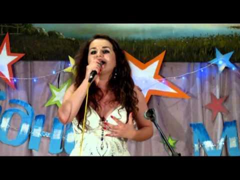 Співає Ірина Поруцька.