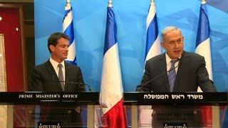 Video Netanyahu rejects French peace initiative, offers to meet Abbas download MP3, 3GP, MP4, WEBM, AVI, FLV Juli 2018