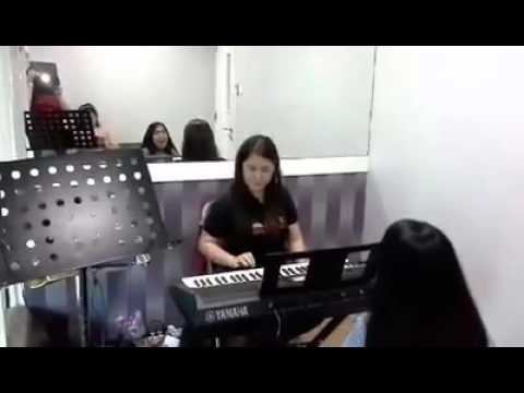 chrisly lagi les vocal from kbl central park with miss dewi youtube. Black Bedroom Furniture Sets. Home Design Ideas