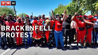 Stun grenades and tear gas marked the end of the Economic Freedom Fighters' protest in Brackenfell. Here's a wrap-up of what occurred at the protest.   #Brackenfell #EFF