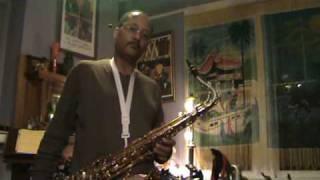 Breeze Cayolle plays the Saxgourmet «Black Mambo» tenor mouthpiece
