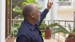 Rais Magufuli ampa zawadi ya Tausi Mhe. Rais Uhuru Kenyatta
