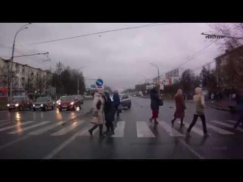 На улице Лежневской в Иванове  сбили 4 пешеходов