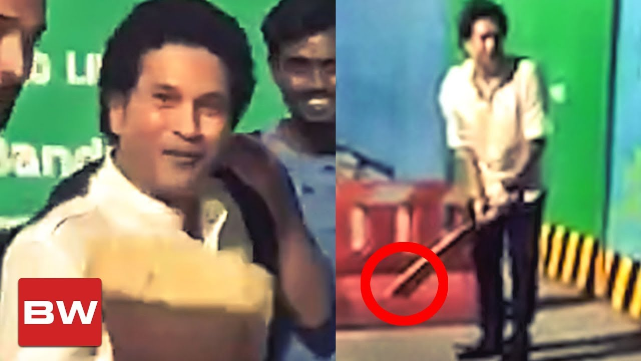 VIRAL VIDEO: Sachin Plays Street Cricket! | Surprises his Fans!