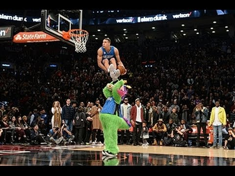 Aaron Gordon UndertheLegs, Over the Mascot Dunk