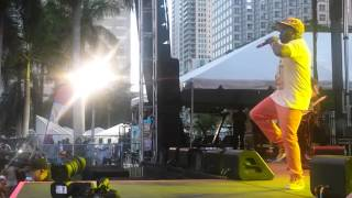 "Barrington Levy ""Living Dangerously"" Live in Miami"