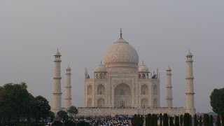 Taj Mahal and Red Fort, in Agra, INDIA