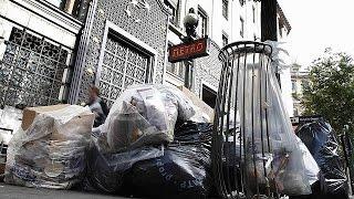 Παρίσι: Μετά από τέσσερις ημέρες απεργία ξεκίνησε η αποκομιδή σκουπιδιών