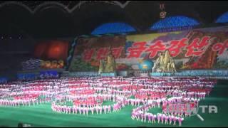 """Шоу """"Ариран"""" - Сотни тысяч северных корейцев шокировали туристов со всего мира"""