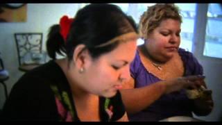 Familia puertorriquena come cangrejos (jueyes) sin parar por 24 horas seguidas.