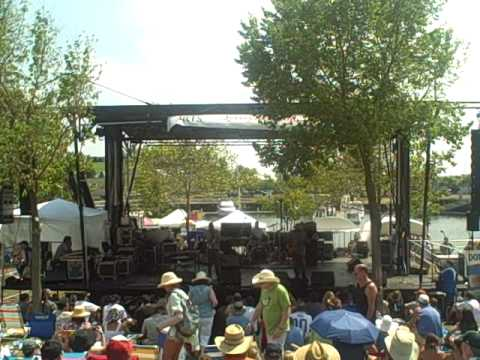 The Holmes Brothers (XPoNential Music Festival 2010) mp3