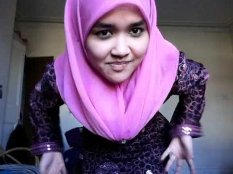 image Malay awek baju kurung kuning