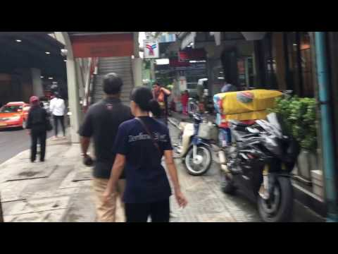 Actual walk from Ideo Phaholyothin Chatuchak to Saphan Kwai BTS Station