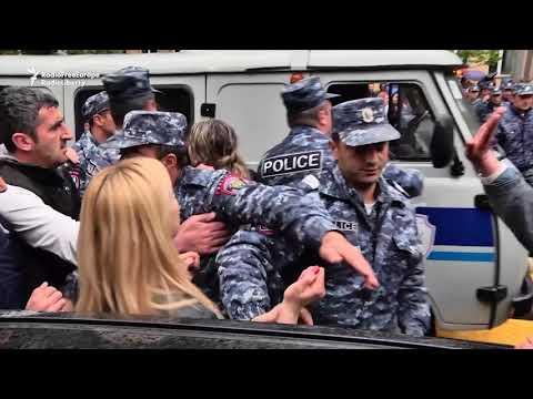 Police In Yerevan Detain Dozens Of Protesters