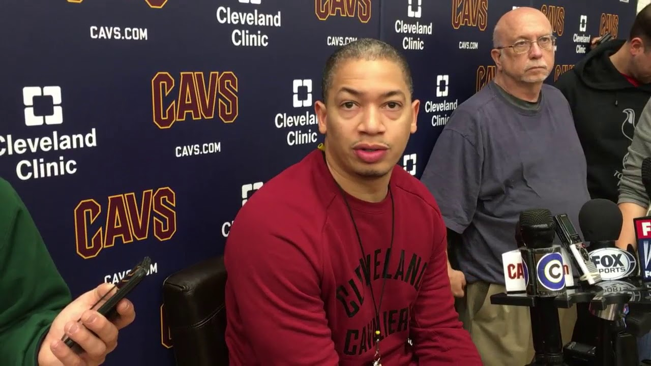 Tyronn Lue says LeBron James 'has to get in better shape' | ESPN