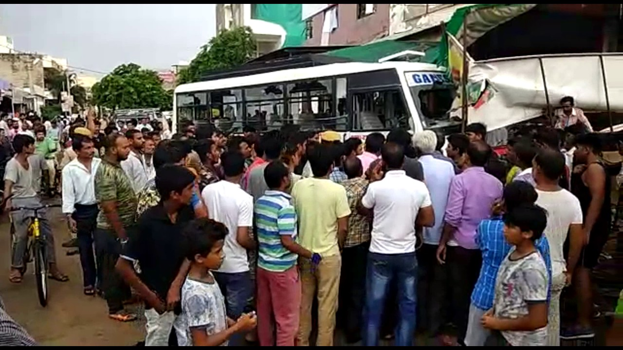jodhpur : uncontrolled bus accident in jodhpur - youtube
