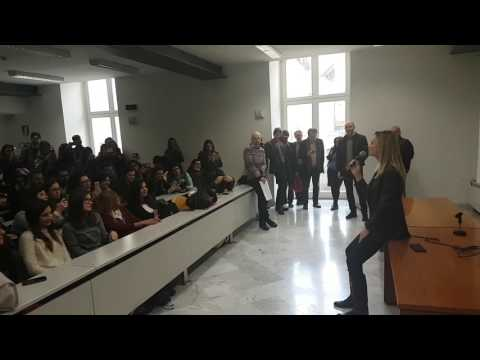 Serena Autieri canta in aula - iniziativa Ateneapoli