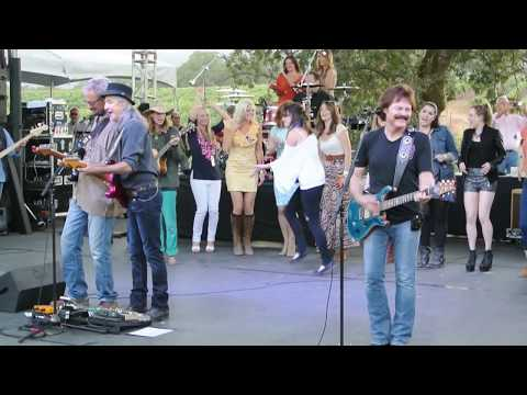 Doobie Brothers - Listen to the Music - Live Video - Benefit Concert