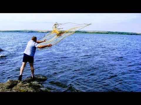 Рыбалка 2020 Рыбалка кастинговой сетью на реке Кастинговая сеть как забрасывать Караси и судаки есть