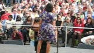 "Michelle Obama Flashes The Crowd- ""Im not going to be on youtu…"