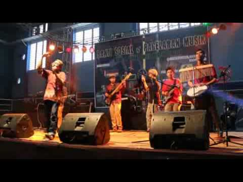 Euphoria - Sosial Topeng Monyet, GOR Tangerang ( Maret 2013 )