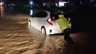 Heavy rainstorm causes flooding in south China city
