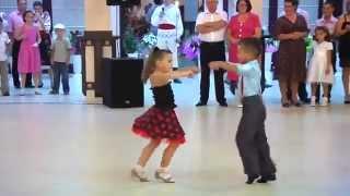 trầm trồ với mn nhảy khiu vũ cực điu luyện của hai b 7 tuổi