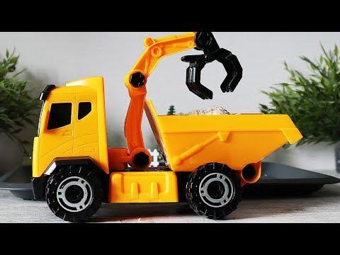 видео: Машины для детей. Самосвал и трактор. Строительная техника