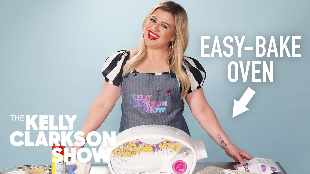 Kelly Clarkson Tries (And Fails) To Cook With An Easy-Bake Oven | Digital Exclusive