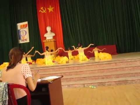 múa sắc hoa CĐSP Nan Định - CĐMNK33 ( nhóm 6 )