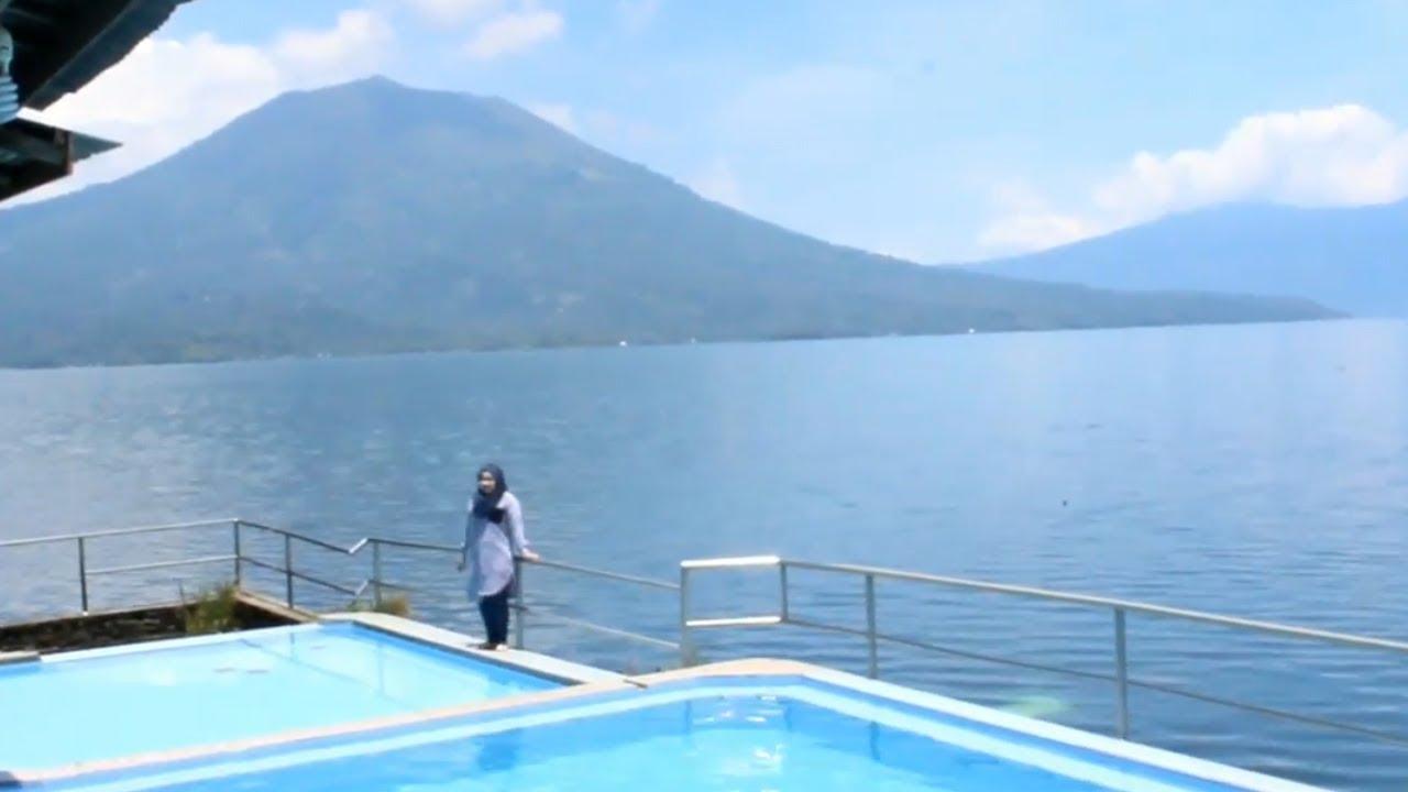 Liburan Seru Berenang di Danau Ranau Lampung