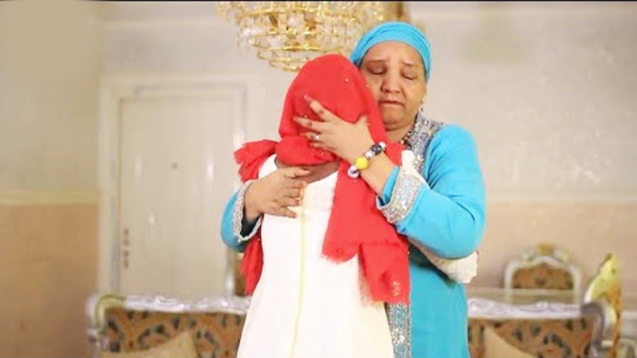 Download Mahaifiyar Ali Nuhu ta nuna kamar tana sona ne kawai don ta dakatar dani - Hausa Movies 2020