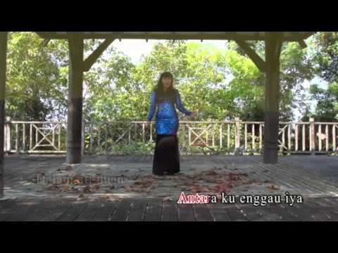 Lucy M - Merap Bulan ( Official Video )