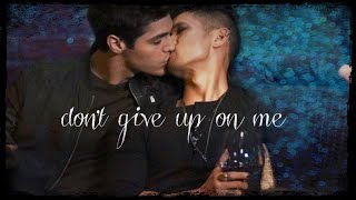 Cover images Magnus & Alec || Don't Give Up on Me