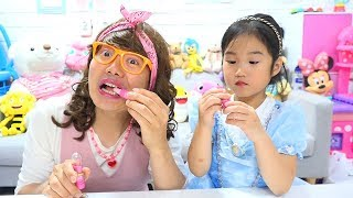 Boram Pretend Play Candy Kids Makeup Challenge
