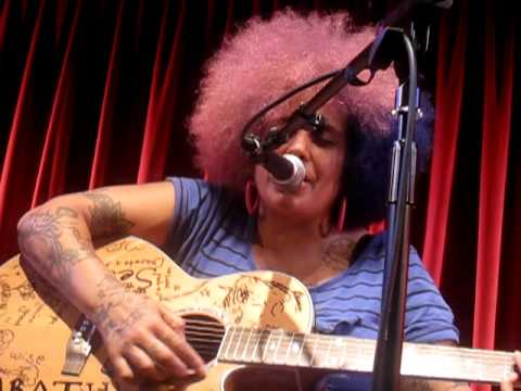 Kimya Dawson - Smile (Live @ Bush Hall, London, 09.07.12)