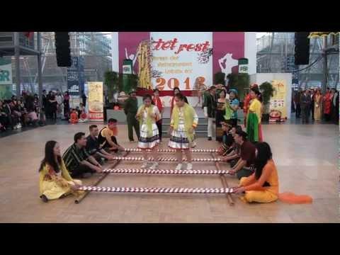 Người Việt Leipzig đón xuân Quý Tỵ 2013 -5 - sacmau