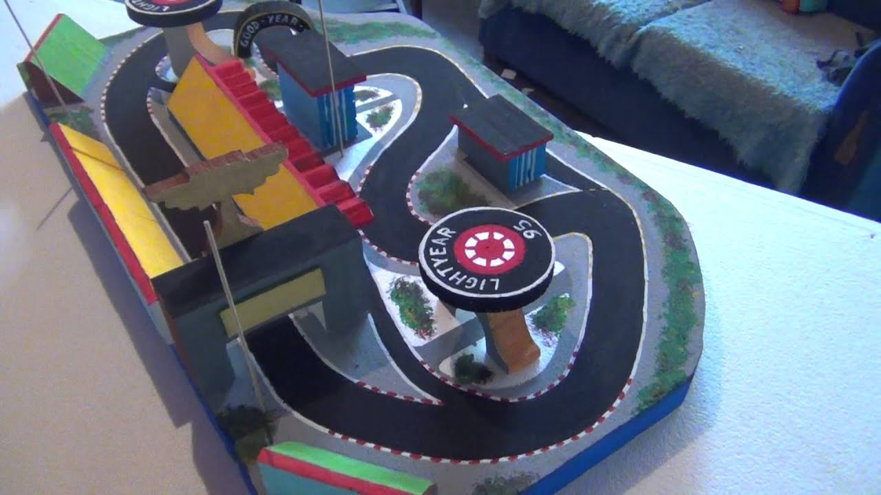 Decoracion para fiesta infantil cars youtube for Decoracion pared infantil