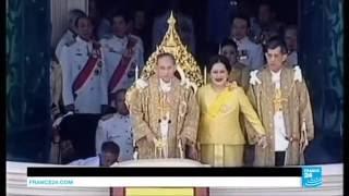 Vua Bhumibol Adulyadej, qua đời ngày 13/10/2017, sau hơn 70 năm trị vì ở Vương quốc Thái Lan. Ông là vị vua gần dân  và đầy uy quyền với chính giới.
