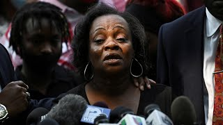 video: Jacob Blake's father says son was paralysed by police shooting as mother tells rioters: 'Examine your hearts'
