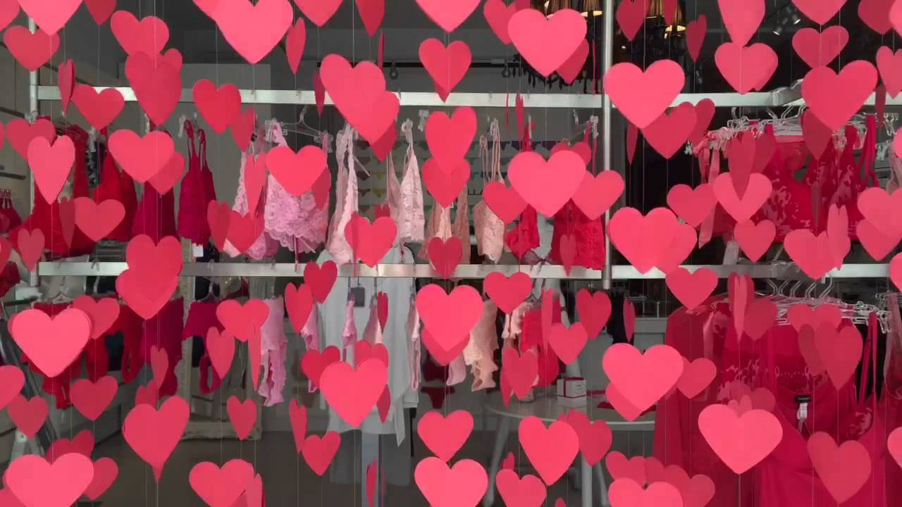 Hyperlapse Of A Valentine S Window Display At Lingerie Shop Youtube