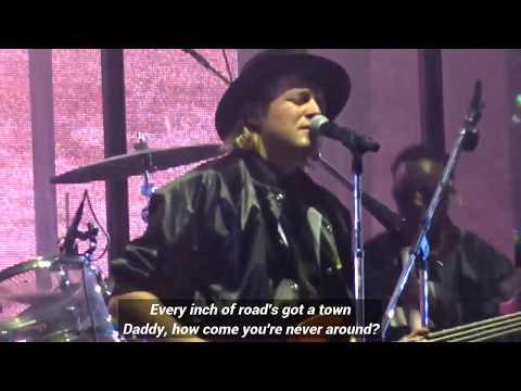 Arcade Fire - Everything Now (Live Lyrics)