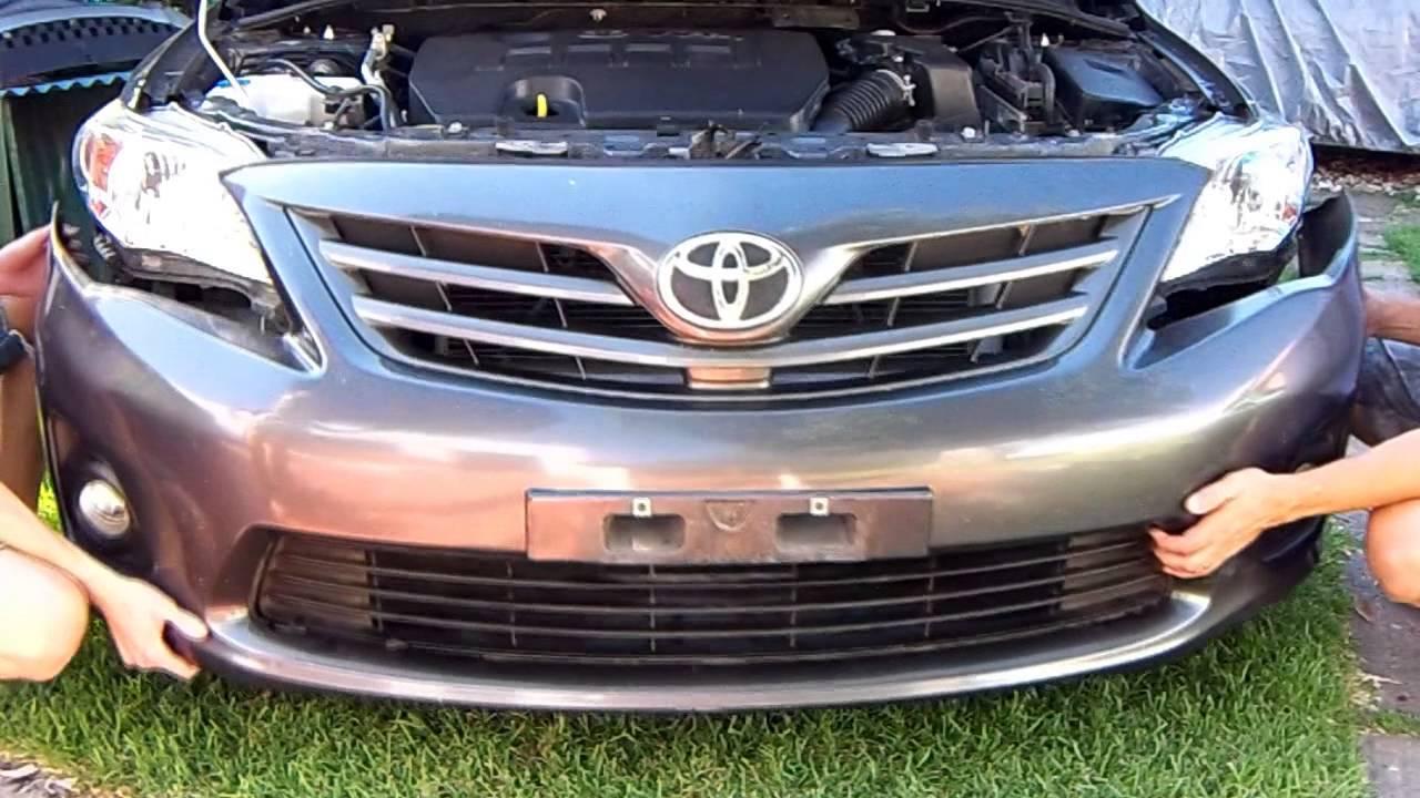 Como desarmar paragolpe Toyota Corolla delantero - YouTube