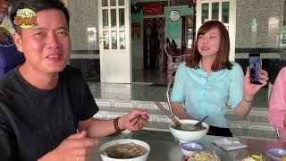 """Khương Dừa được """"nữ đại gia"""" Sóc Trăng mời ăn đặc sản bún nước lèo!!!"""
