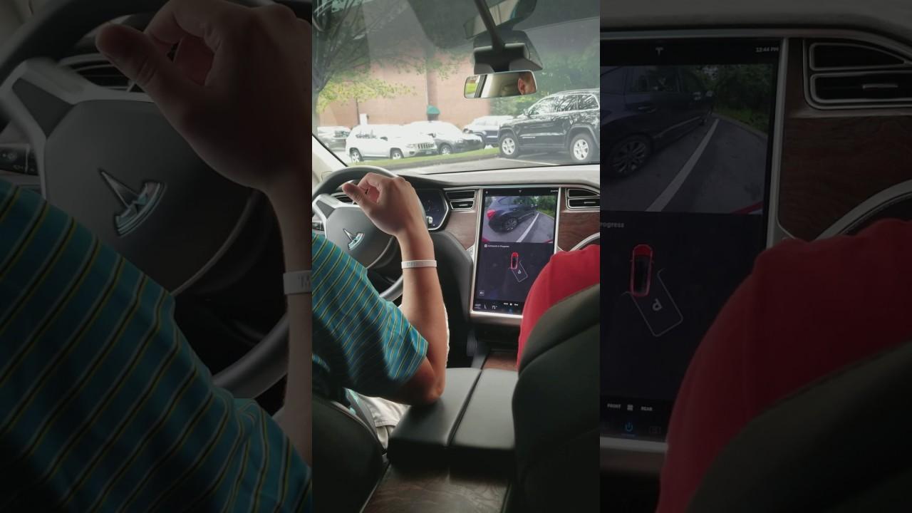 Tesla Model X Self Parking - YouTube
