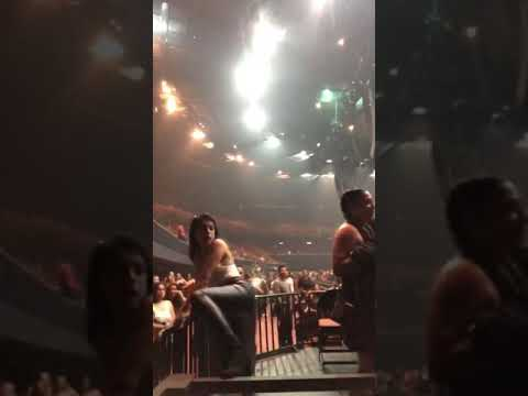 INSANE FIGHT AT AN OZUNA CONCERT IN LOS ANGELES! (BEER GETS THROWN & Lots of Security) Nov. 2, 2018