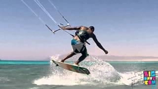 Kitesurf Trick Upwind Turn & Hooked Blind